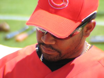 Edwin Encarnación signs for the kiddies