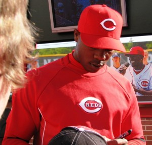 Aroldis Chapman signed without saying a word.