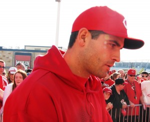 Joey Votto stopping for a chat on the red carpet.