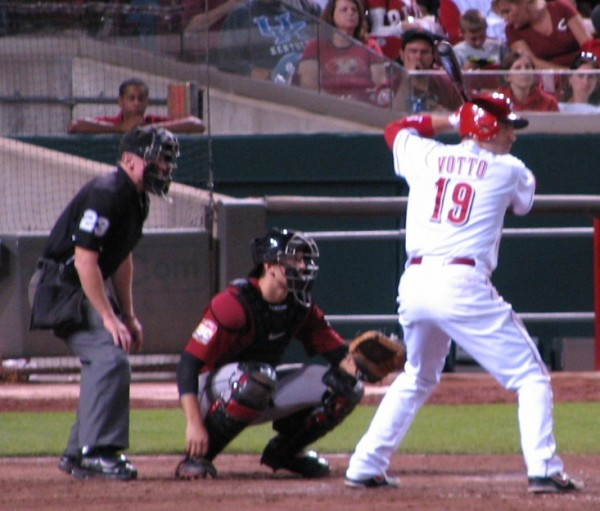 Joey Votto had a good night at the plate, going 2-3 with a run scored.