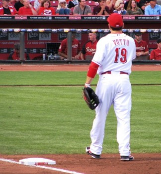 Joey Votto plays a mean first base.