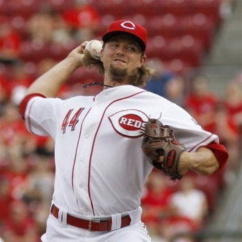 Mike Leake pitching against the Mets
