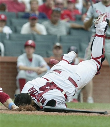 Cardinals falling all over themselves to pay Molina